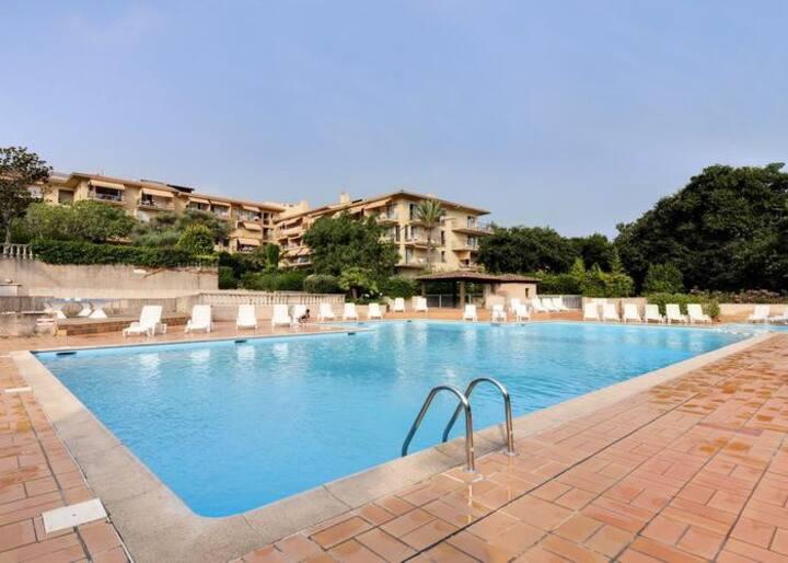 Appartement 4 pers St-Tropez avec grande piscine