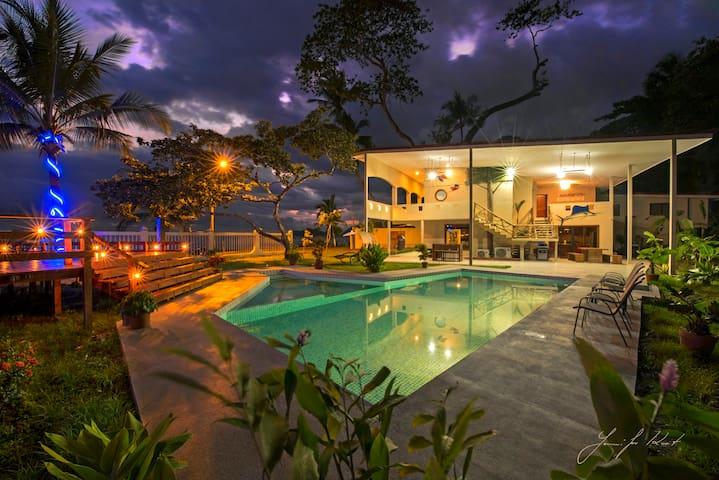 7 Bedroom Luxury Oceanfront Villa on Jaco Beach
