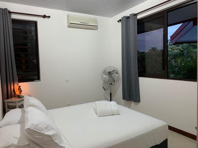 Chambre 2 - Roome 2