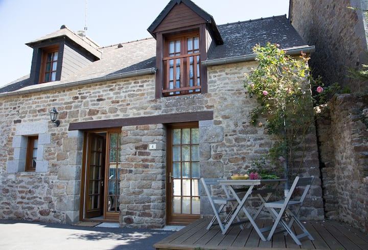 Gîte classé*** 6/8 pers  entre Dinan et Saint Malo