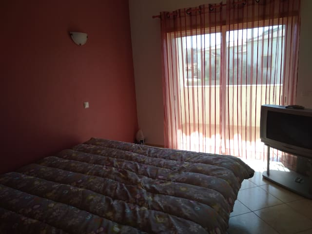 Lovely 3 Bed.Apartment| Cozy & Modern|Quiet| Wi-Fi - Odiáxere