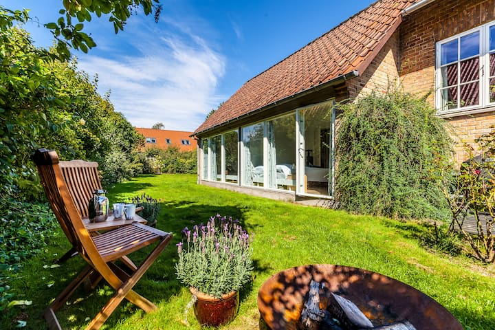 Bright, quiet & lovely w. garden in Aarhus - Aarhus - Appartement