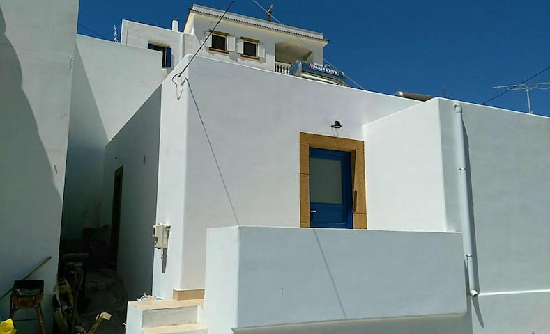 LIPSI TOWN HOUSE - Port Area - Dodecanese