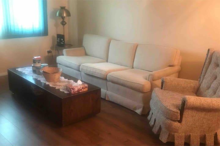 Cozy Suite. West Quesnel
