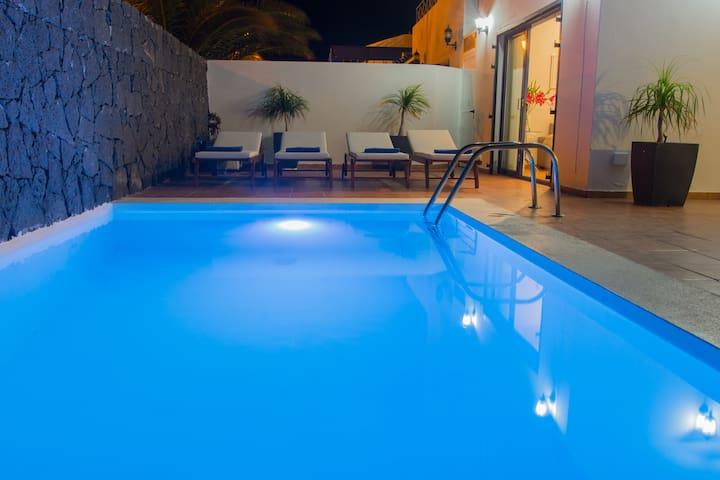 Villa Alexia, private heated pool, wifi