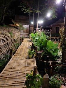 Phoxay Ngam Resort - Vang Vieng - Bungalov