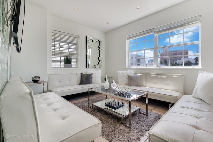 4 rm Ocean Drive South Beach Deluxe Suite