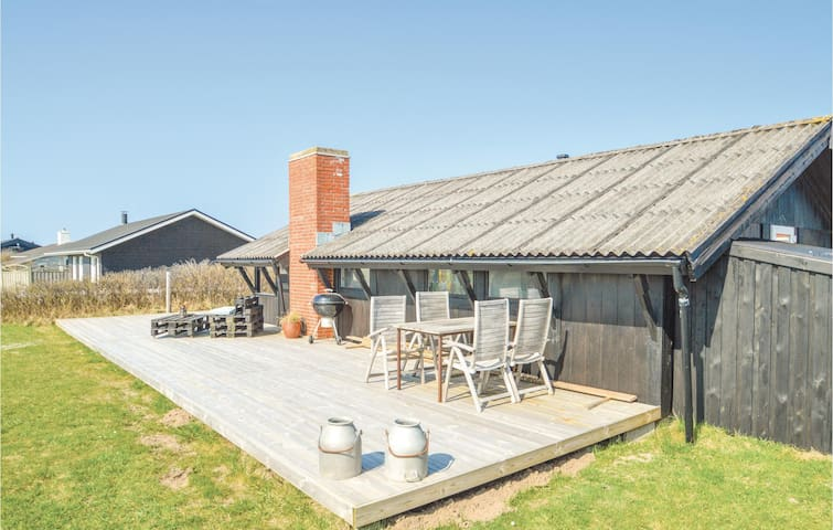 Holiday cottage with 2 bedrooms on 59m² in Løkken