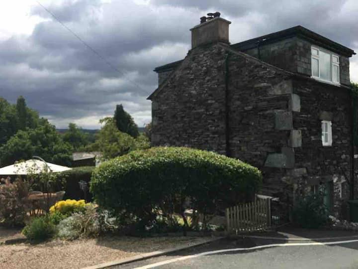 Cosy lakeland cottage in Ambleside