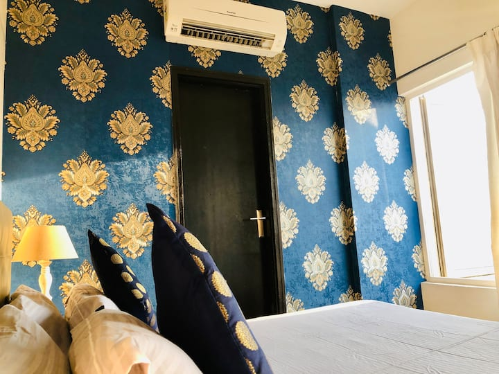 Blue Sapphire Suite ( Bathtub and Breakfast )★★★★★