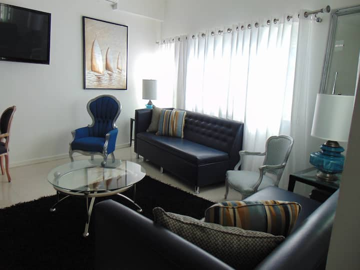 ELEGANT EXCLUSIVE TOWNHOME ZONA RIO BEST LOCATION