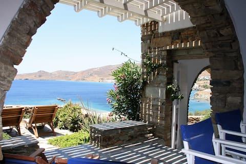 Casa à beira-mar em Tinos - Baía de Stavros Ꙭ