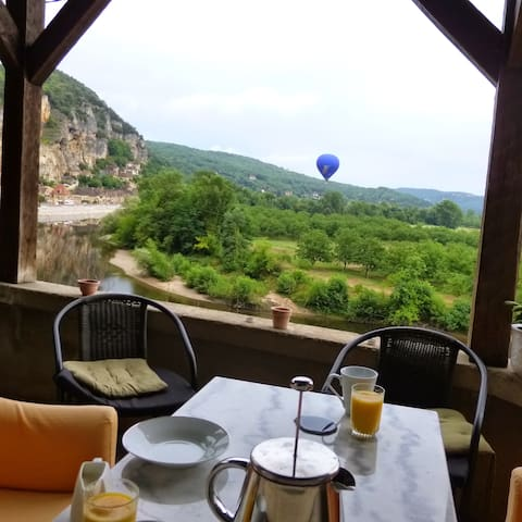 Balloons at breakfast time