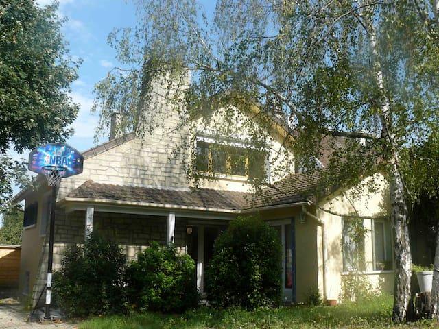 jolie maison dans un quartier calme - Conflans-Sainte-Honorine - Maison