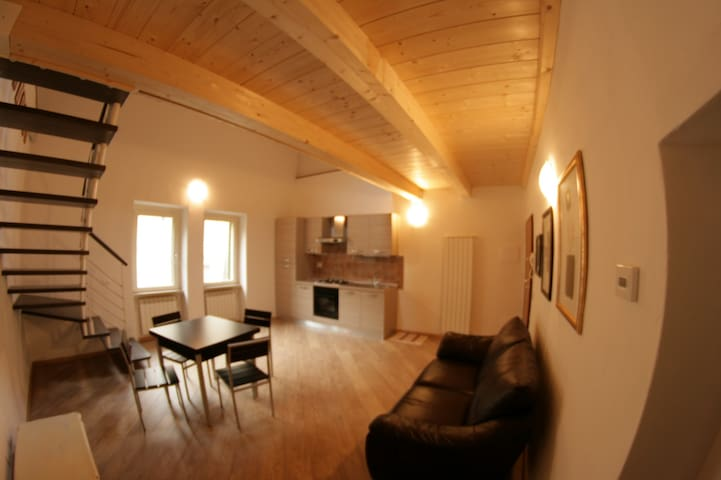 Appartamento in paese - Montescudaio - Apartment