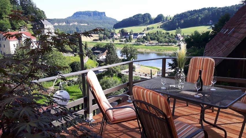 Gemütliche Ferienwohnung im Burghain Rathen