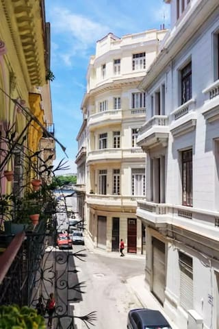Excellently located B&B in the Old town of Havana