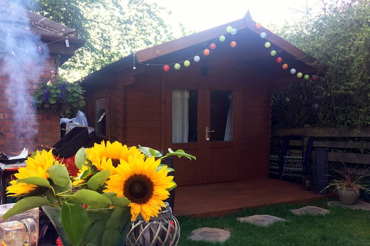 Relax in Rheda - luxury lodge & hot tub getaway