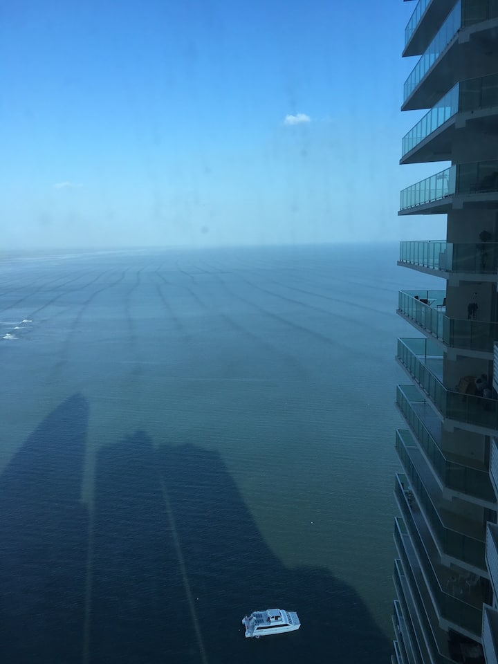 Luxury Panama City Oceanfront 2 bedroom Apt
