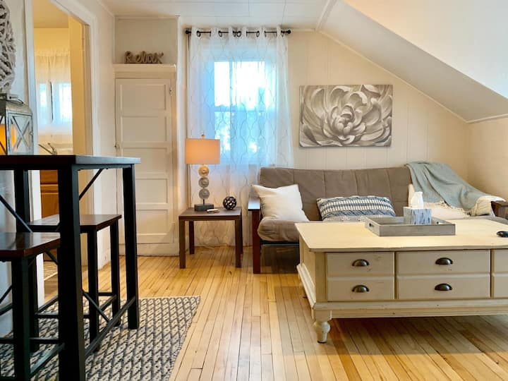 Cozy Suite Near Downtown Plattsburgh - 1BR!