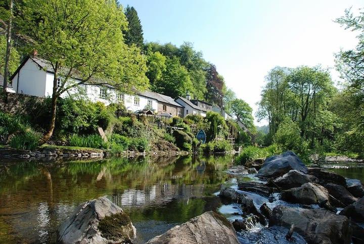 Riverside Trout Cottage in Dulverton Exmoor