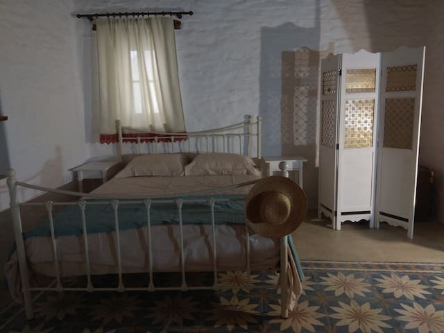 Traditional suites in Chora,  Kythnos #1