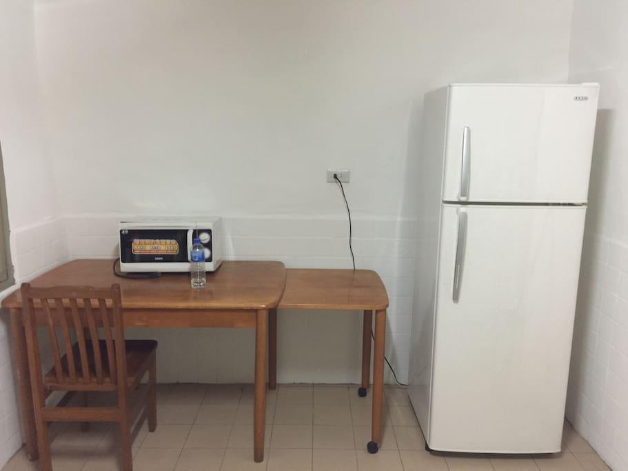 微波爐、冰箱