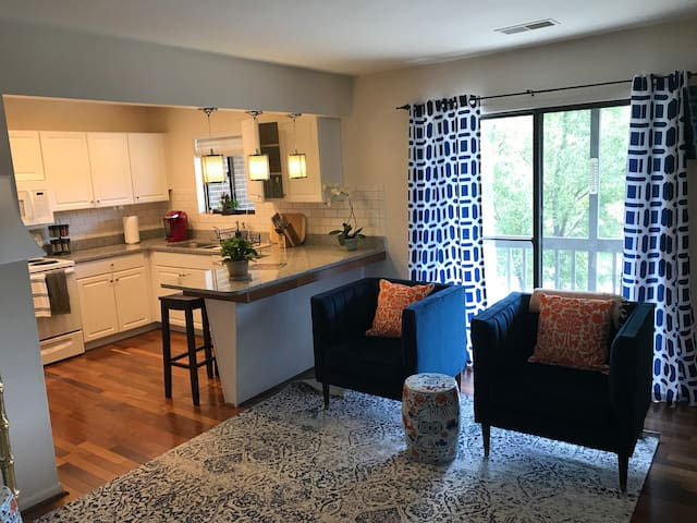 Come Experience 'Hooville!  Sleeps 6-3bd/2.5 ba