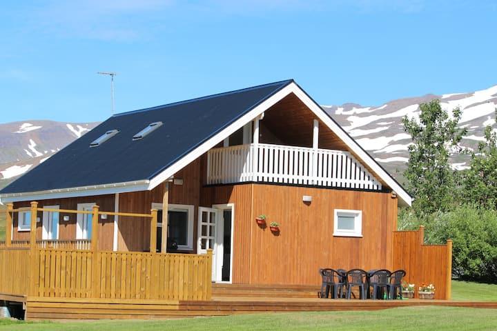 New luxurious cottage - Brúnastaðir
