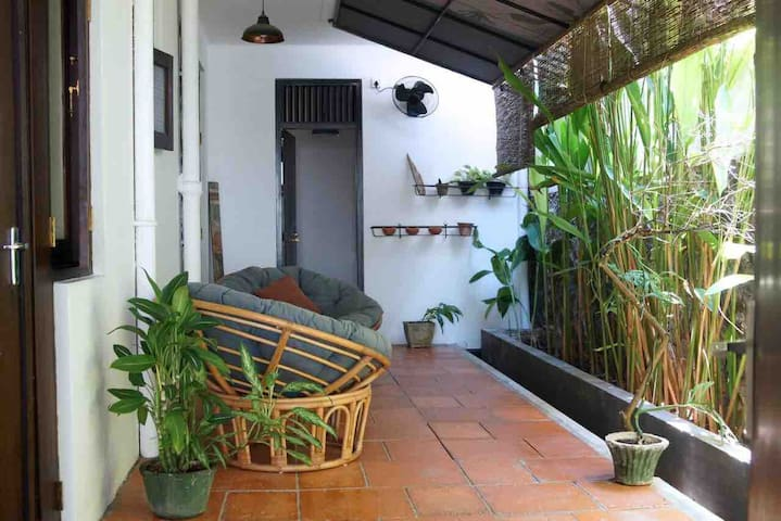 URBAN ALCOVE - A/C Private Apartment in Colombo 04