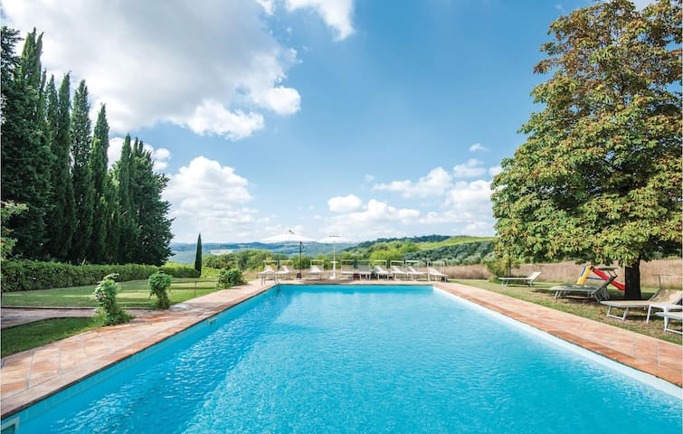 Holiday apartment with 2 bedrooms on 50m² in San Gimignano SI