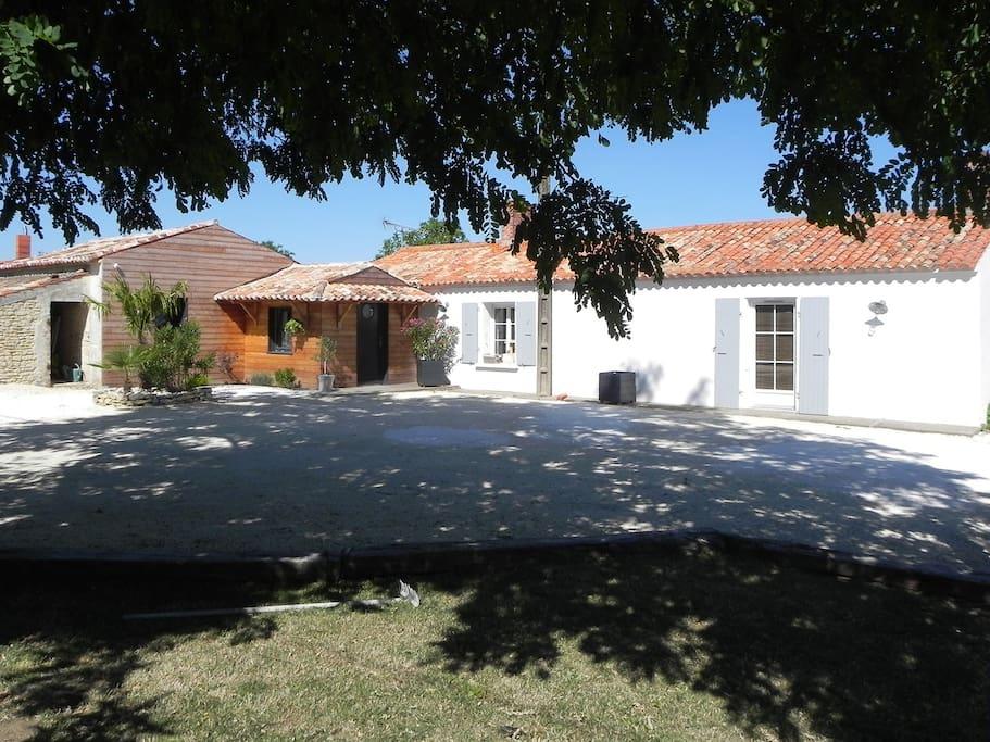 Maison avec piscine 20 39 la rochelle maisons louer for Location maison la rochelle avec piscine
