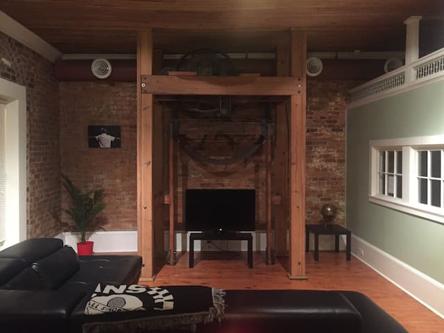 Very Modern Spacious Loft - Hogansville - Apartmen
