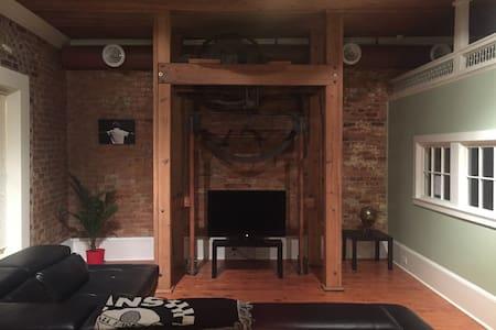 Very Modern Spacious Loft - Hogansville