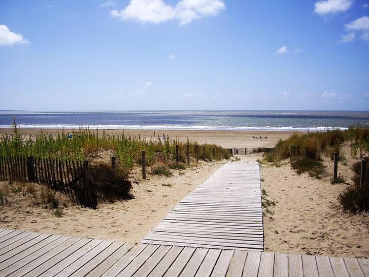 Maison brévinoise de charme au calme et proche mer