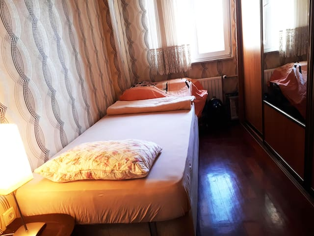 Single furnished room in Ortakoy, Besiktas