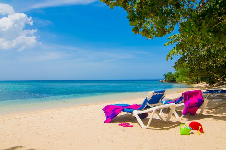 Beach front Townhouse Negril - Negril - Radhus