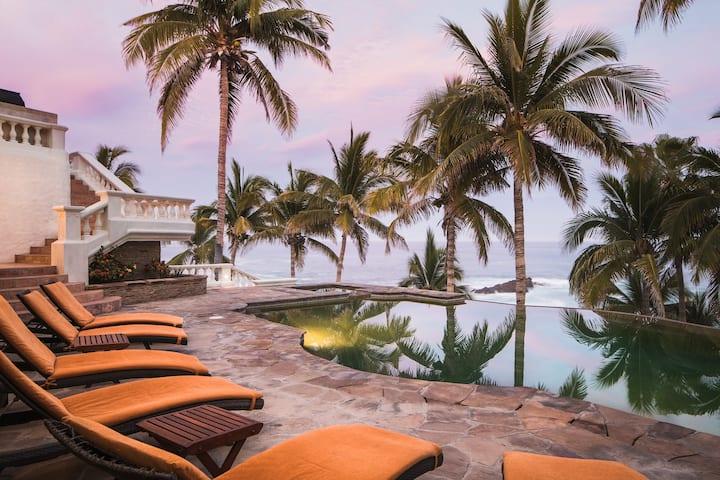 Casa Mariposa Beachfront Mega Villa Paradise ⭐️