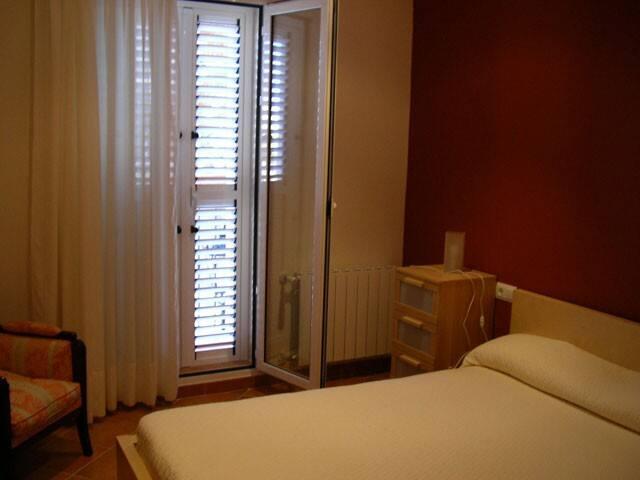 Casa cerca de Valencia (12 camas) - Godelleta - House