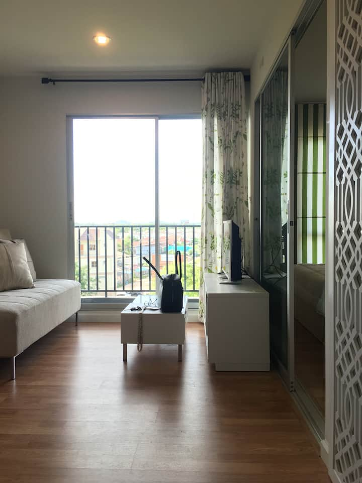 The room in the center of Rayong for satisfying urban lifestyle.
