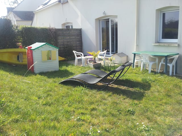 Chambre privée 2 personnes, jardin - Pluneret - ที่พักพร้อมอาหารเช้า