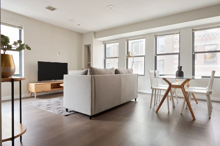 Sonder | Financial District | Iconic 2BR