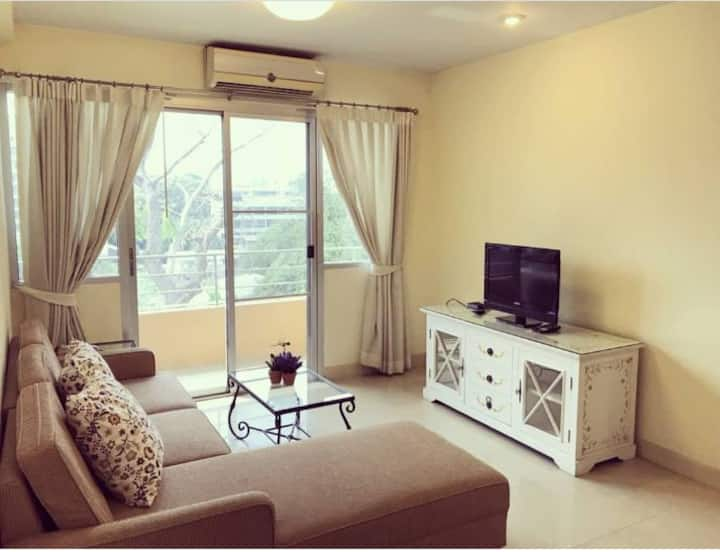 Entire apartment in Chatuchak close to BTS station