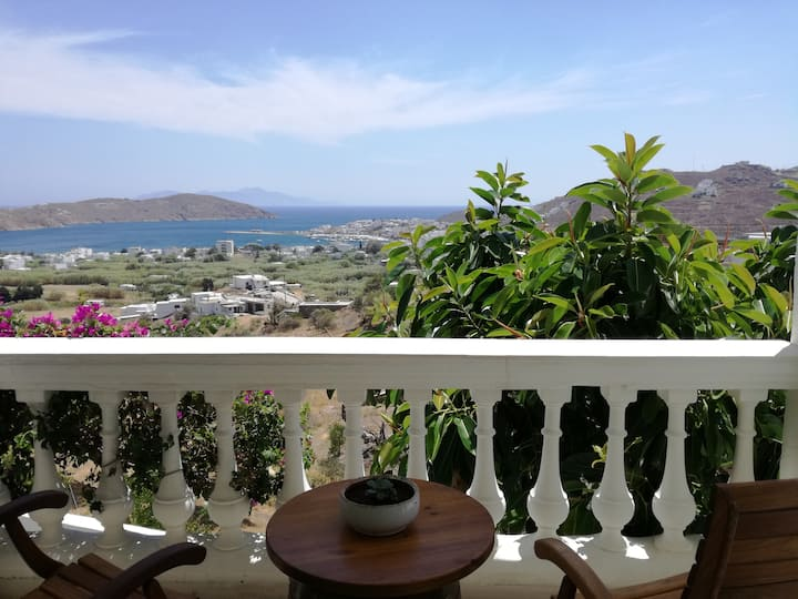 Serifos Anemochadi apartment '2' for 4 guests