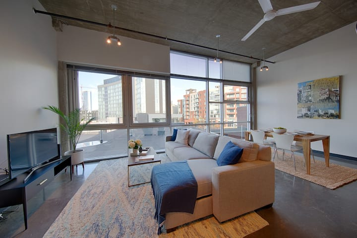 1 Bedroom Loft in the Gulch • Blocks to Downtown!!