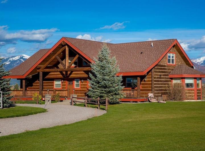 Montana Dreams Getaway - The Lodge