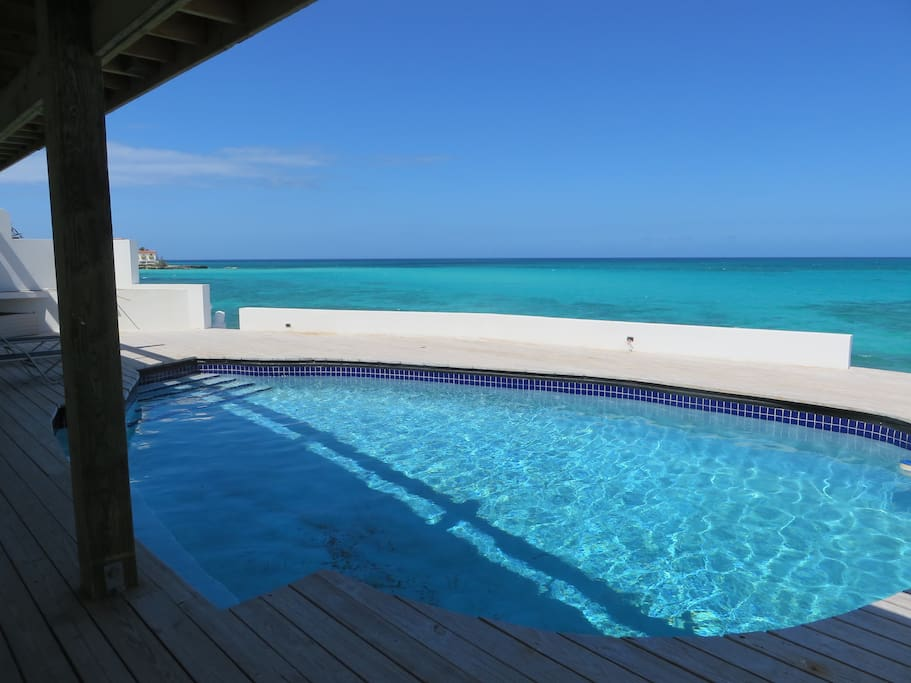 Bahamas Room To Rent