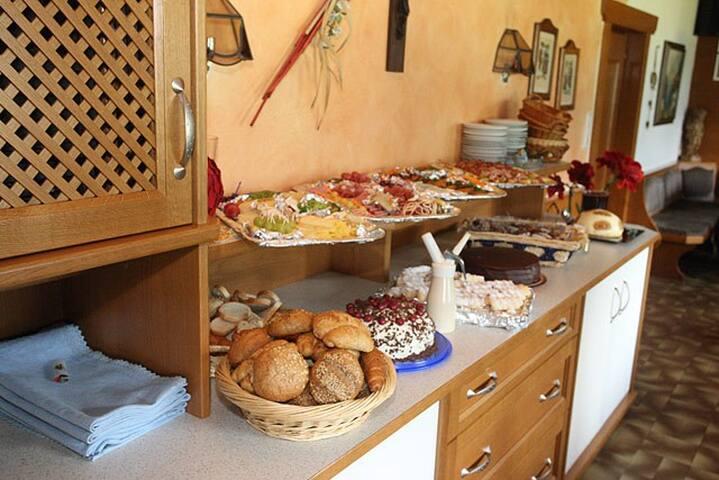 Zimmer mit Frühstück - Schwaz - Bed & Breakfast