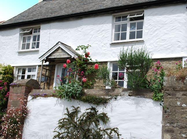 Netherham Hill Cottage, - Croyde