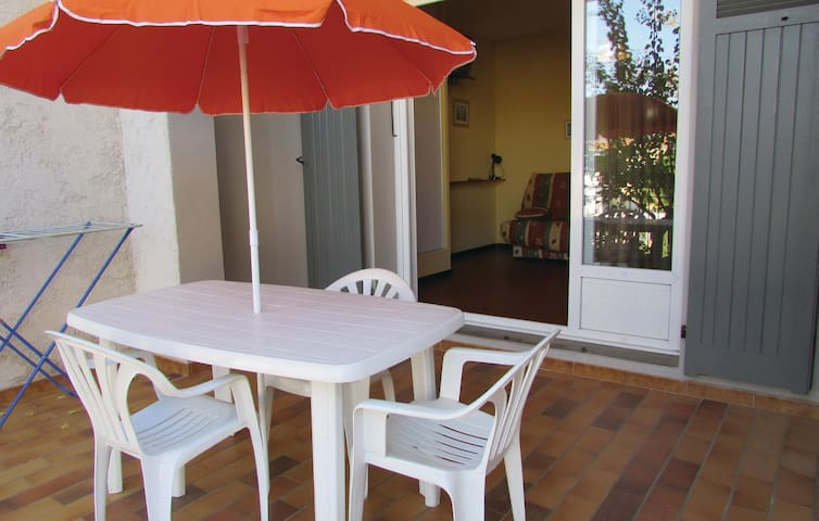 Holiday apartment with 1 bedroom on 35 m² in Algajola
